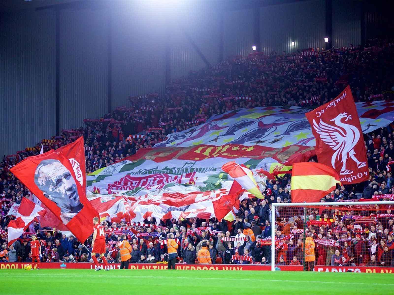 Liverpool Crowd Flag